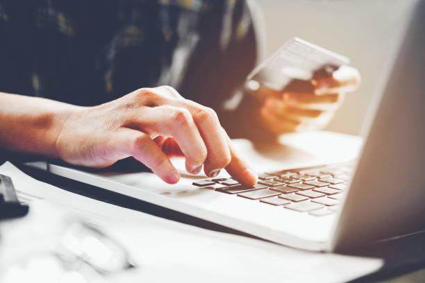 Niet alle betaalwijzen hoeven succesvol te zijn voor je shop. Wat zijn de verschillen en waarom zo je de ene wel doen en de andere niet?